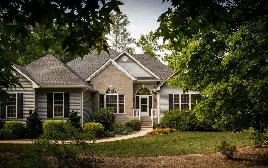 Differenza tra compromesso e rogito nella compravendita immobiliare
